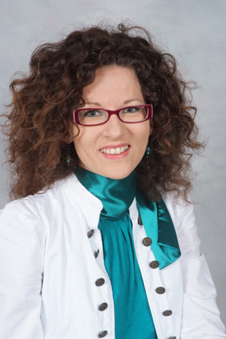 dr. Savorgnani Maja, prof.