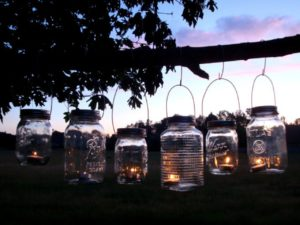 mason-jar-hanging-tea-light-lanterns-christmas-mason-jars-7bbba46019bebf9c
